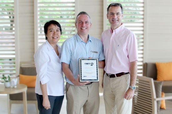 From left to right: Tipaporn Koonphol (Deputy General Manager),  Pierre-Andre Pelletier (Vice President and Area General Manager, South Thailand) and Richard Margo (Hotel Manager)