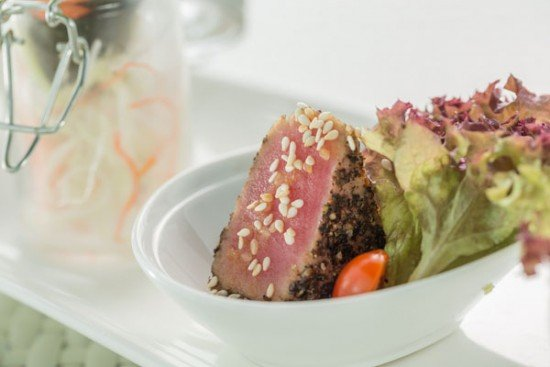 Pan seared tuna salad with Japanese dressing