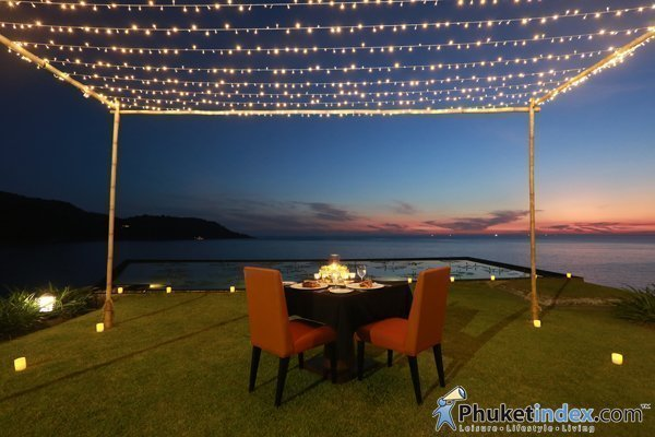 Romantic Dinner at The Lawn, Impiana Private Villas Kata Noi