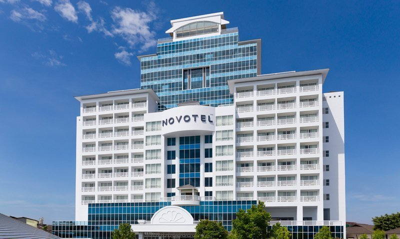 Novotel Phuket Phokeethra Hosts Grand and 'Royal' Opening Ceremony