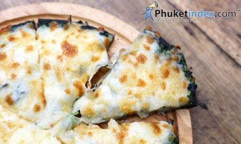"""""""Pizza Charcoal with spinach"""" only 139 THB at Deevana Patong"""