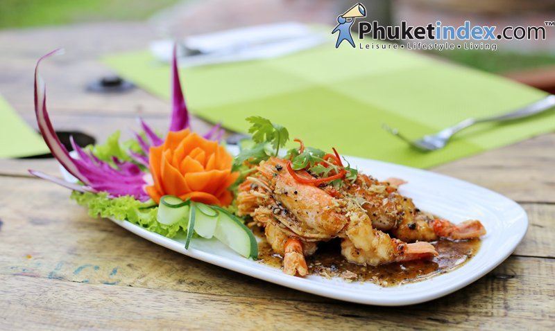 "Promotion dish: ""Fired River Prawn With Garlic"" at Dalah Cuisine"