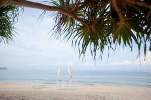 bang tao beach wedding