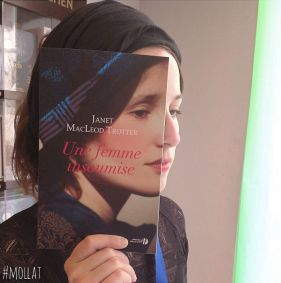 people-match-books-covers-librairie-mollat-19