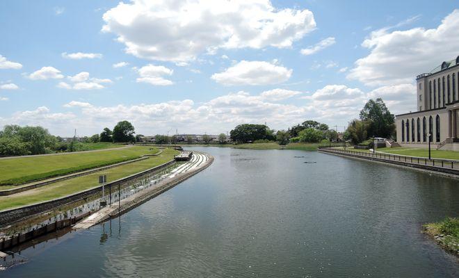 平和橋からの景色(葛西用水路)