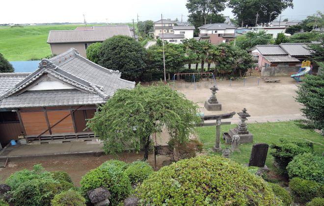 富士塚の頂上からの眺め