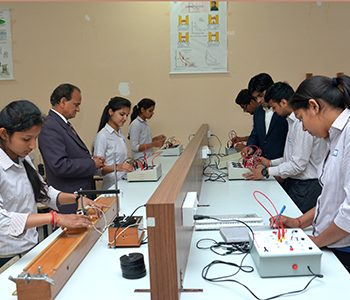 Physics_Lab_pic (9)