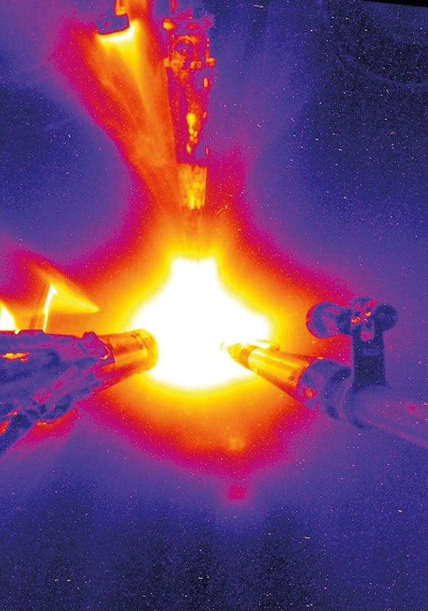 Deuterium–tritium implosion