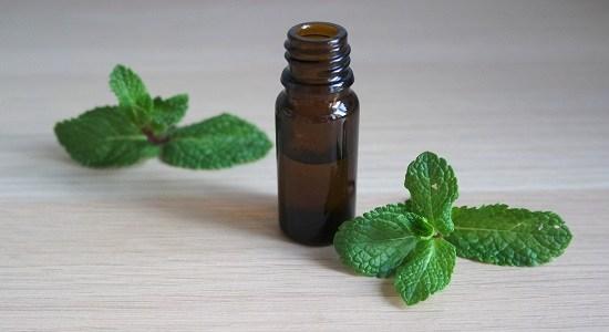 quelles sont les huiles essentielles anti fatigue et comment les employer simplement et sans dangers