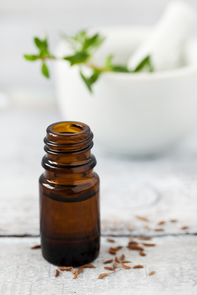 Kümmelöl gegen Magenkrämpfe und Koliken