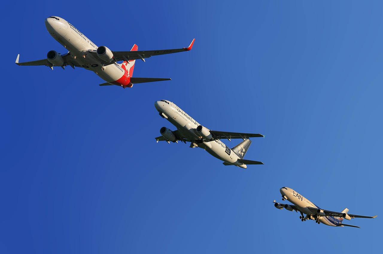 aircraft-123005_1280