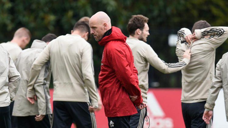 Ketertarikan Barcelona Terhadap Pelatih Ajax Amterdam