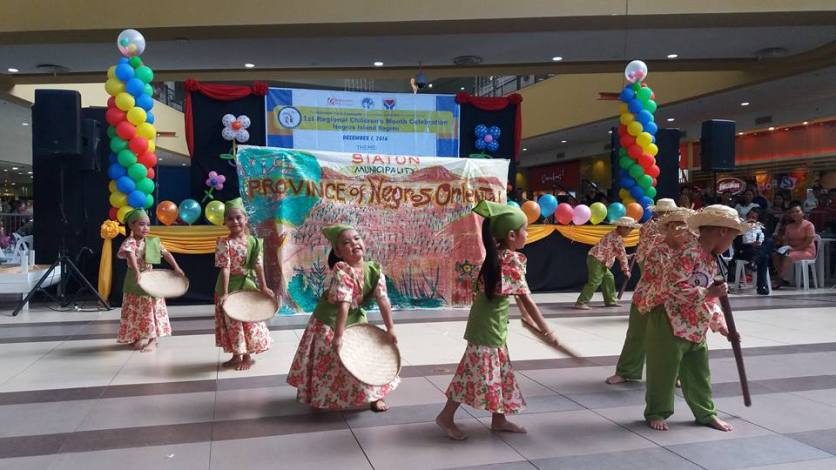 Children from different LGUs in Negros Island perform at the 1st DSWD-NIR Children's Congress held in Robinson's Place Dumaguete. (PIA7-NegOr)