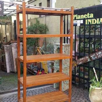 Scaffale indiano