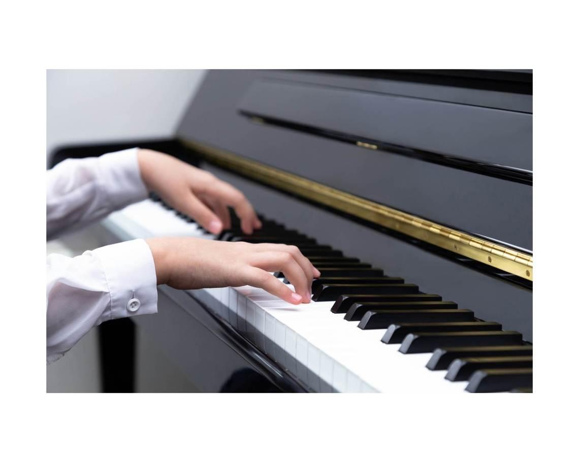 s'échauffer les doigts au piano