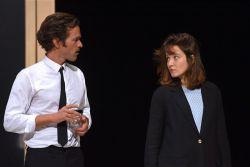 Démons Dario Fo Théâtre du Rond-Point Romain Duris et Anaïs Dumoustier