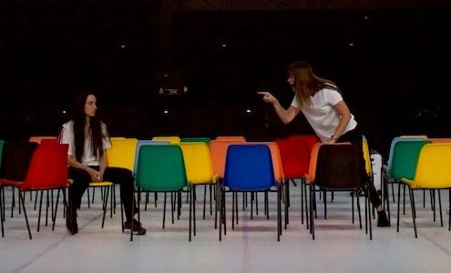 Soeurs(Marina & Audrey)_Pascal Rambert@Pauline Roussille