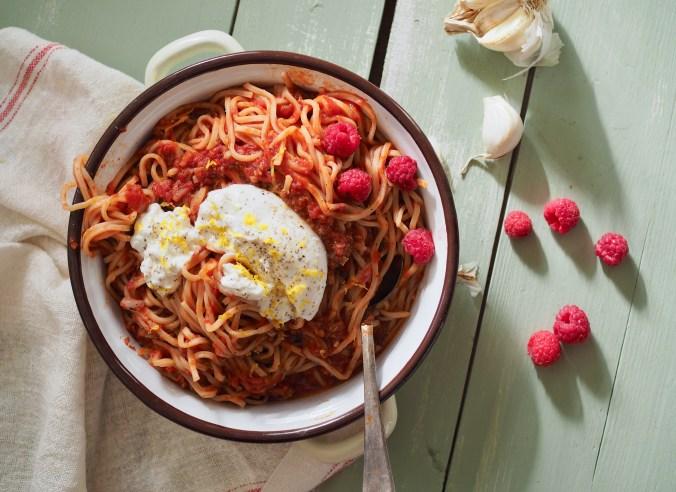 vadelma-tomaattikastike