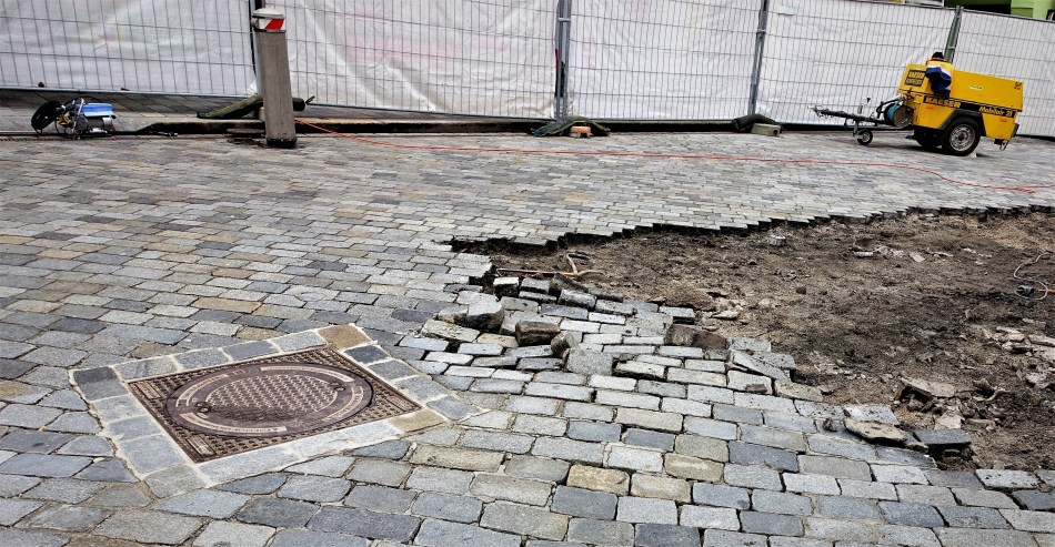 Beginn Pflastersanierung 2 20.3.2017 Unterer Stadtplatz