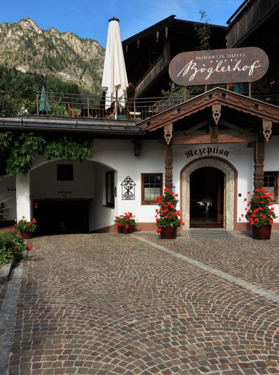 Alpbach dunkle Steine