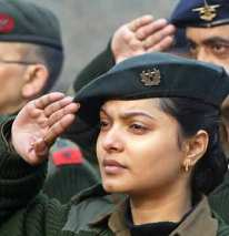 indian-woman-armed-officer_5106