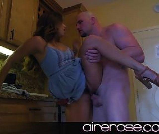 Airerose Isabellas First Casual Encounter Caught On Tape