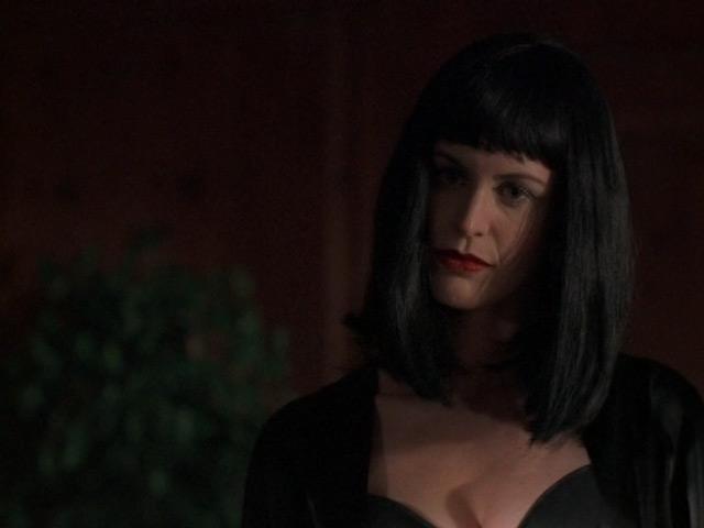 0002 - キャサリン・ハイグルの血まみれのドレス