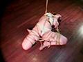 緊縛イズム01 肉を裂く縄・ゆきほ鼻責め宙吊りのサンプル画像