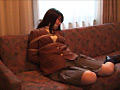 制服女性を緊縛、猿轡…のサンプル画像3