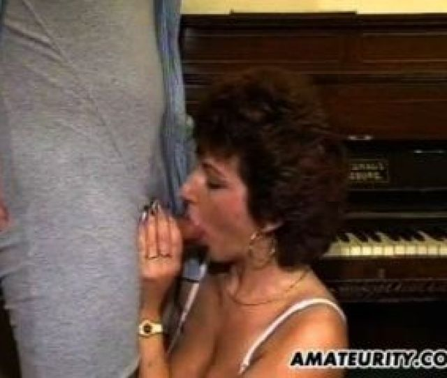 Mature Amateur Wife Homemade Threesome With Cum