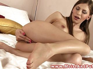 Teen Beautiful Moist Pussy Solo Fingering