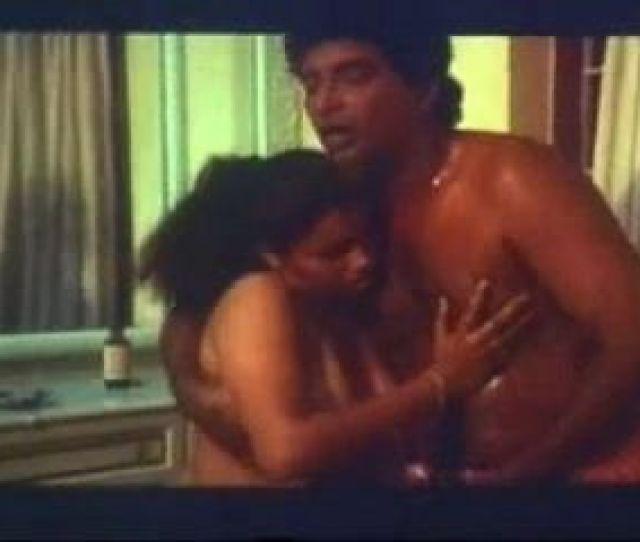 Sexy Amp Hot Huge Boobs Mallu Aunty  S Oil Massage