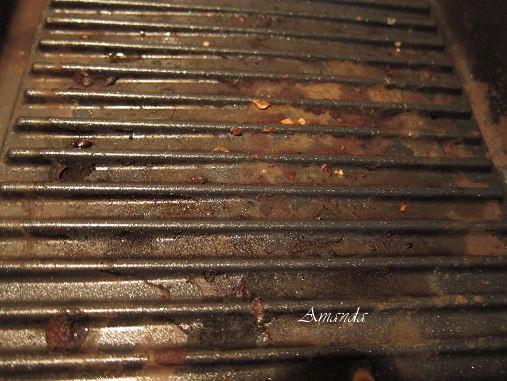 燒烤蒸煮鍋-烘烤後的髒污.jpg