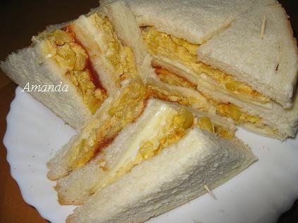 玉米蛋三明治剖面