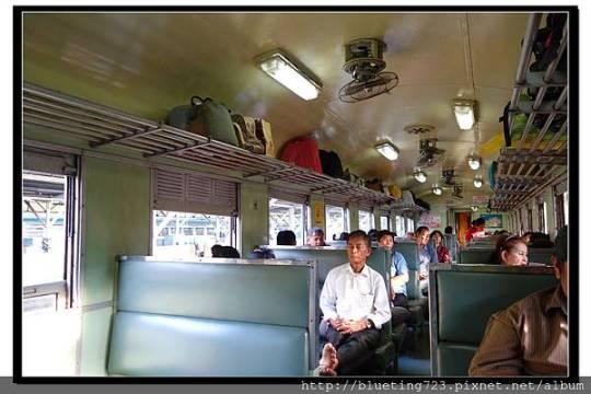 泰國大城府《邦芭茵夏宮Bang Pa-in》火車5.jpg