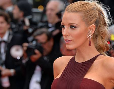 blake-lively-burgundy-dress.jpg