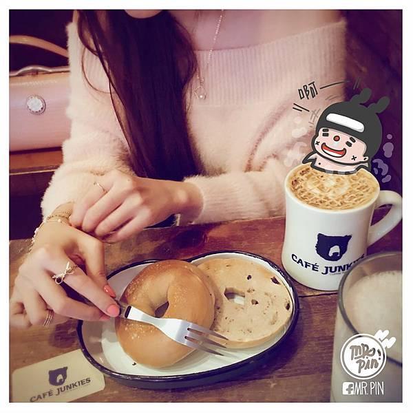 [台北美式餐廳]PinPin&ViVi的咖啡廳浪漫小約會-小破爛咖啡館