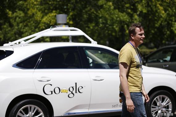 [早安! 地球] 沒方向盤也能開車! Google新型自動駕駛車登場 2415386dd5c5d3df_3