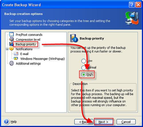 [系統工具] 上網掛MSN樣樣來,備份硬碟免重開機 - True Image 1144840795_f384397d3a