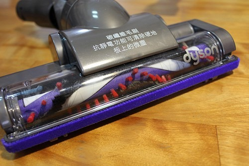 [開箱] 揪感心母親節禮物:Dyson DC35 吸塵器 clip_image009