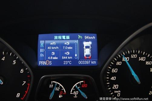 [試駕]令人驚艷的福特 Focus MK3 1.6L GHIA 35_thumb