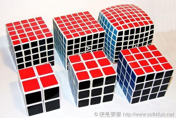 紀念魔術方塊 40 周年,Google 邀你一起線上解魔方! 800px-Rubiks_cube_variations_222_-_777