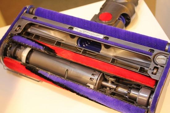 Dyson 發表 DC74 Fluffy 無線吸塵器,全新吸頭  大小顆粒不漏吸 DysonDC74Fluffy39