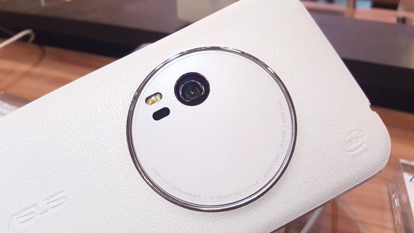 粉絲萬歲!華碩千人體驗嘉年華推出 ZenFone Zoom 及 ZenWatch 2 20151201_140311