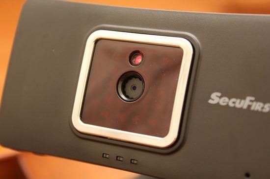 DWH-A059H數位無線網路監視器,室內外監視一套搞定 image021