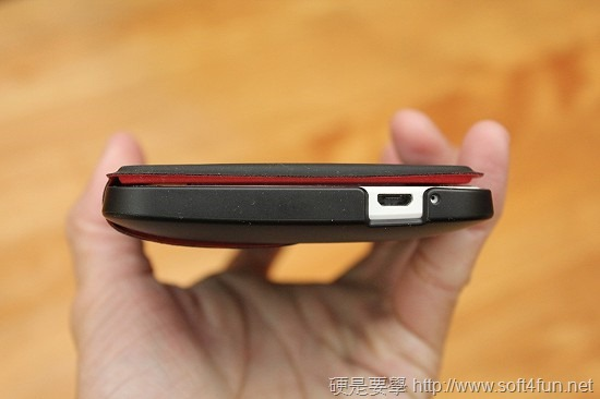 加大 HTC One Max 電池續航力,Power Flip Case 輕巧簡便的最佳選擇 IMG_0636