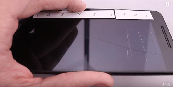 超弱!華為代工 Google Nexus 6P 竟像餅乾一折就斷 google-nexus-6p-bending-01
