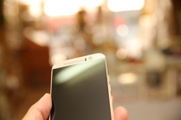 護眼必備 imos HTC One M9 專用濾藍光疏水疏油保護貼 IMG_8180