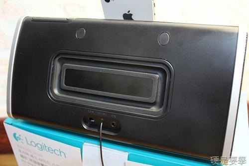 [開箱] 羅技床頭音響底座,充電、聽歌、聽廣播、設鬧鐘一次滿足(iPad/iPhone/iPod Touch) IMG_3993