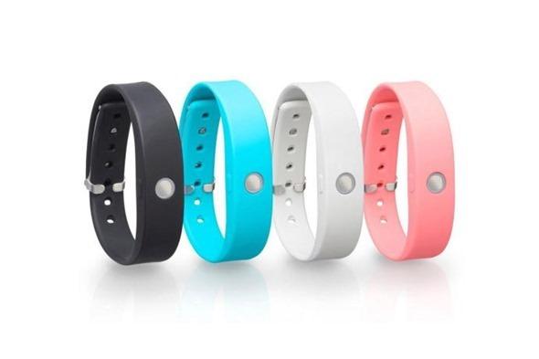 TOSHIBA 加入穿戴裝置市場,推出 WERAM1100 彩色智慧健身手環 clip_image001